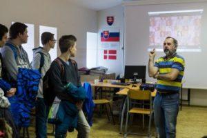 Vo Vranove poslanci zvýšili počty prvých tried a rozšírili odbory