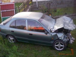 Mladík zo Sedlísk sa po dopravnej nehode skrýval v kríkoch