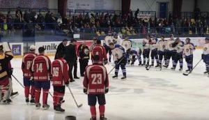 VRANOV: Charitatívny turnaj kňazov v ľadovom hokeji + VIDEO