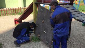 Vranovská samospráva realizuje pravidelnú údržbu a opravu detských ihrísk + VIDEO