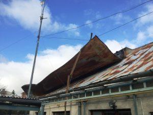 Obce na hornom Zemplíne riešili po silnom vetre hlavne poškodené strechy